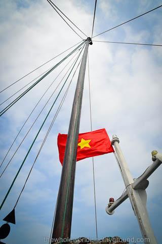 Bhaya Cruise Review Halong Bay ©thewholeworldisaplayground