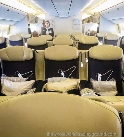 Air France Business Class: Paris-Dubai-Paris