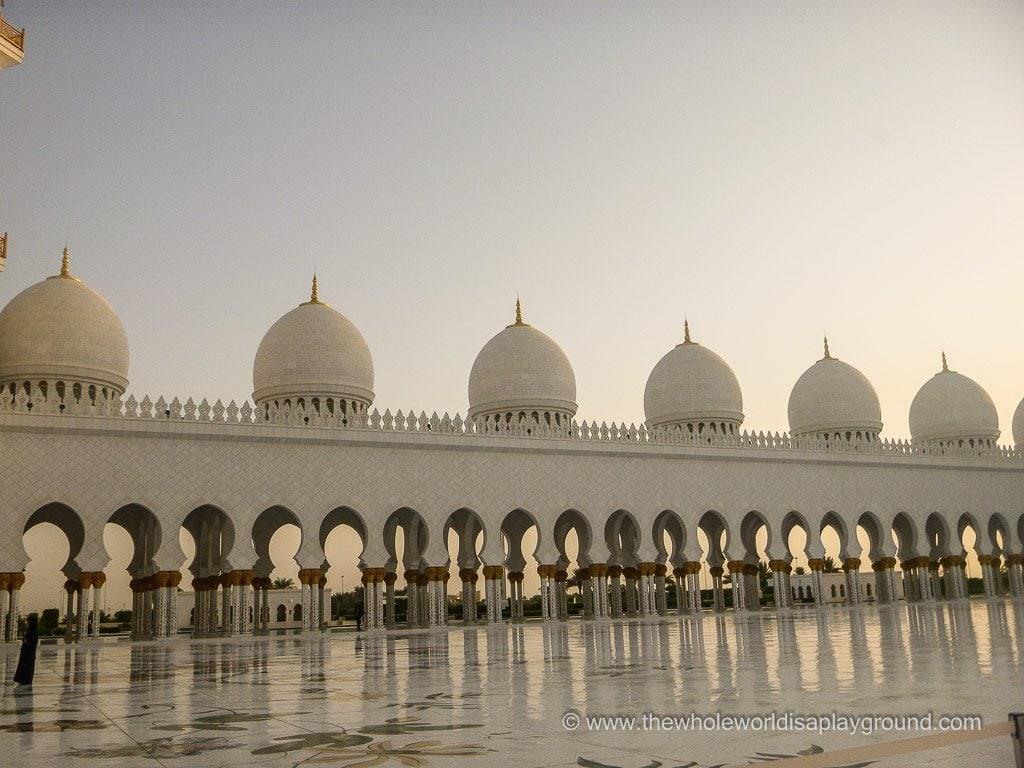 Sheikh Zayed Grand Mosque Abu Dhabi ©thewholeworldisaplayground