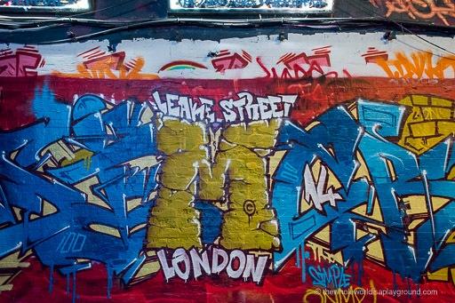 Leake Street Photoblog: London's Graffiti Tunnel!