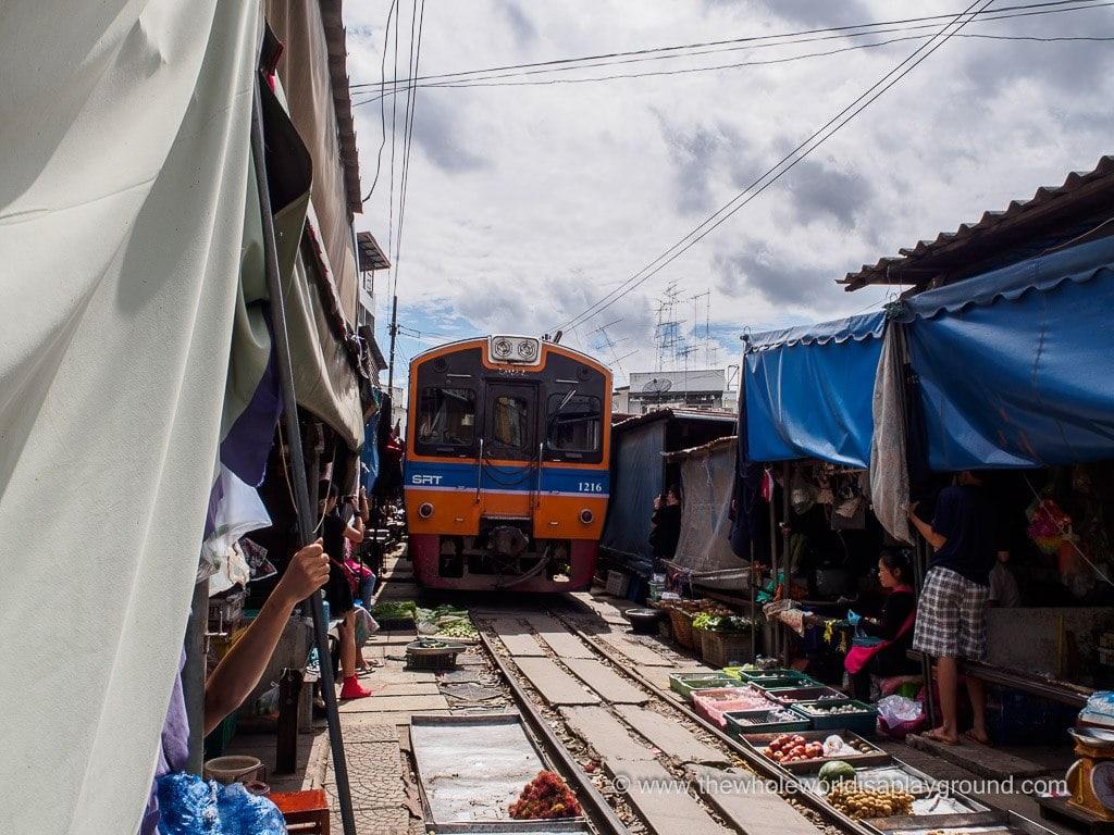 Bangkok sightseeing ©thewholeworldisaplayground