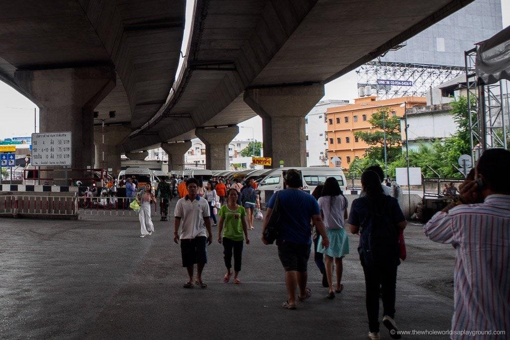 How to get to Ayutthaya Bangkok minivan ©thehwholeworldisaplayground
