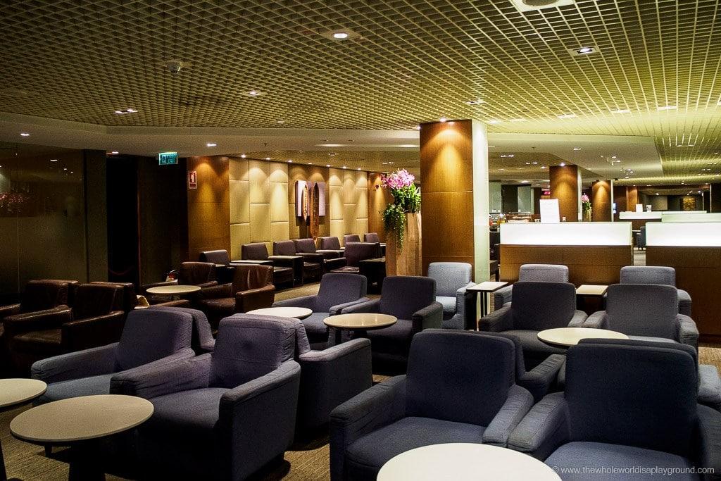 Thai Airways Royal Silk Lounge ©thewholeworldisaplayground