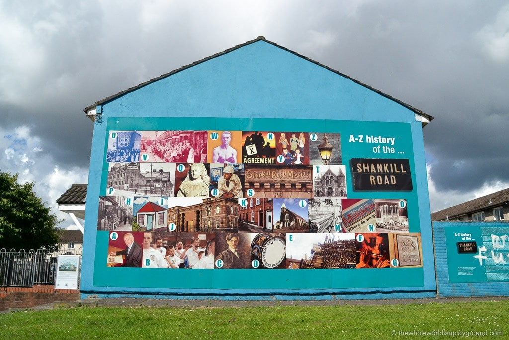 A Black Cab Tour of Belfast: Murals, Peace Walls and Belfast City!