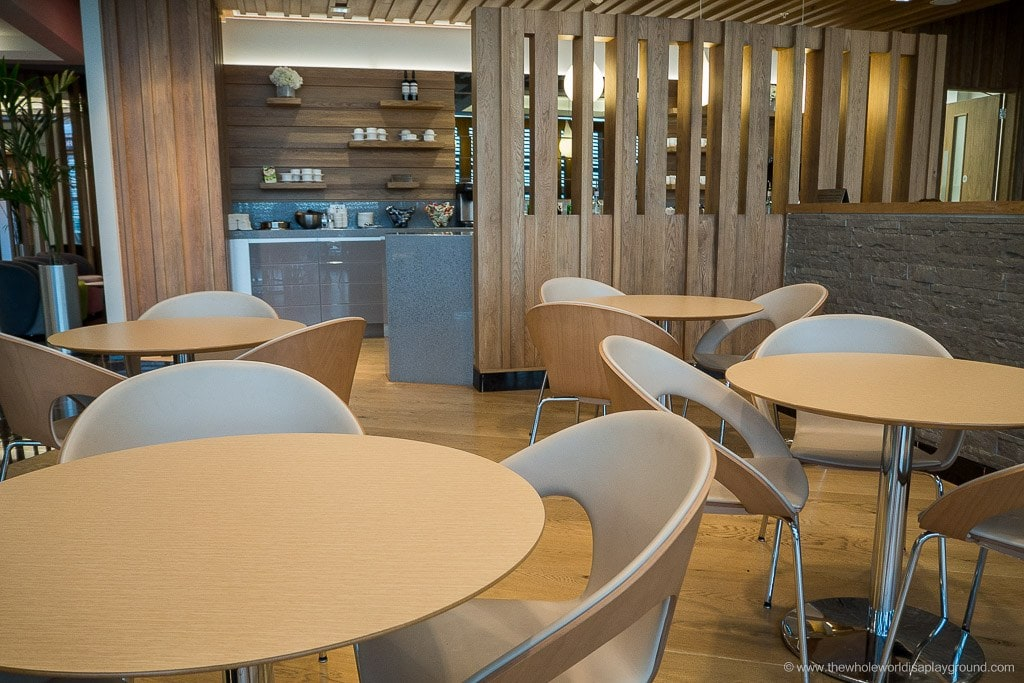 Aer Lingus Gold Circle Lounge London Heathrow Terminal 2 ©thewholeworldisaplayground