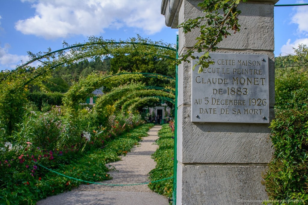 Monet's Gardens Giverny day trip from paris ©thewholeworldisaplayground