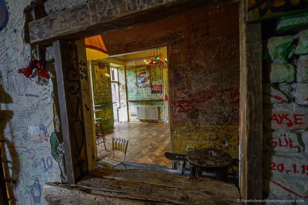 Szimpla Kert Ruin Bar Budapest ©thewholeworldisaplayground