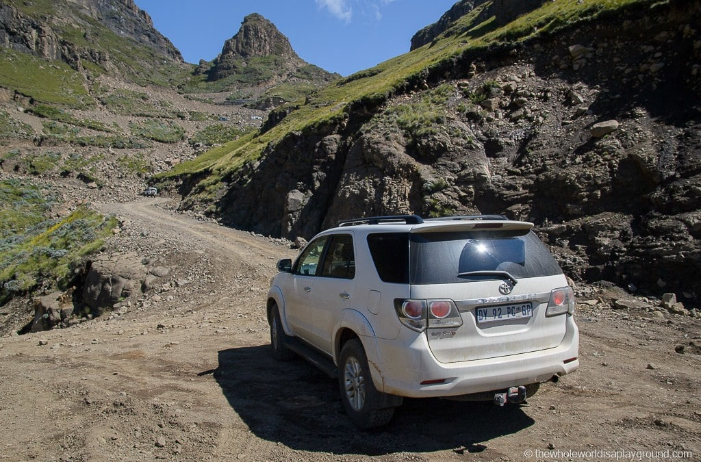 Ultimate guide to driving a rental car in South Africa: 25 tips for a South African road trip!
