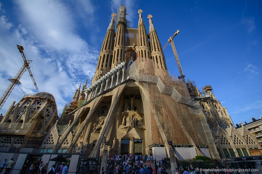 Barcelona Gaudi Must See Sights-15