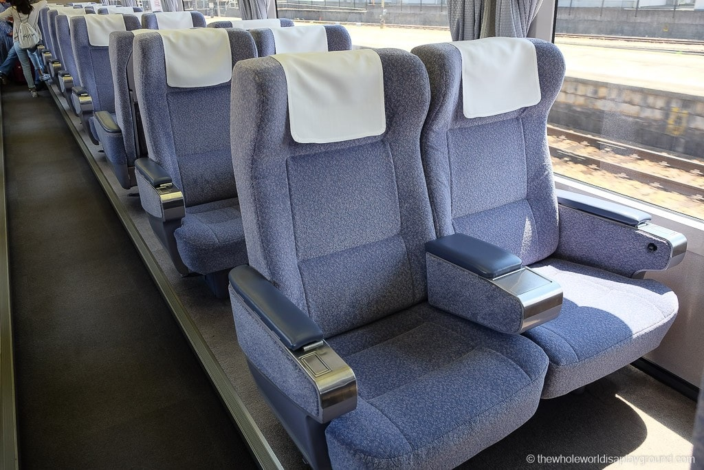 The green cars had a maximum of two seats together